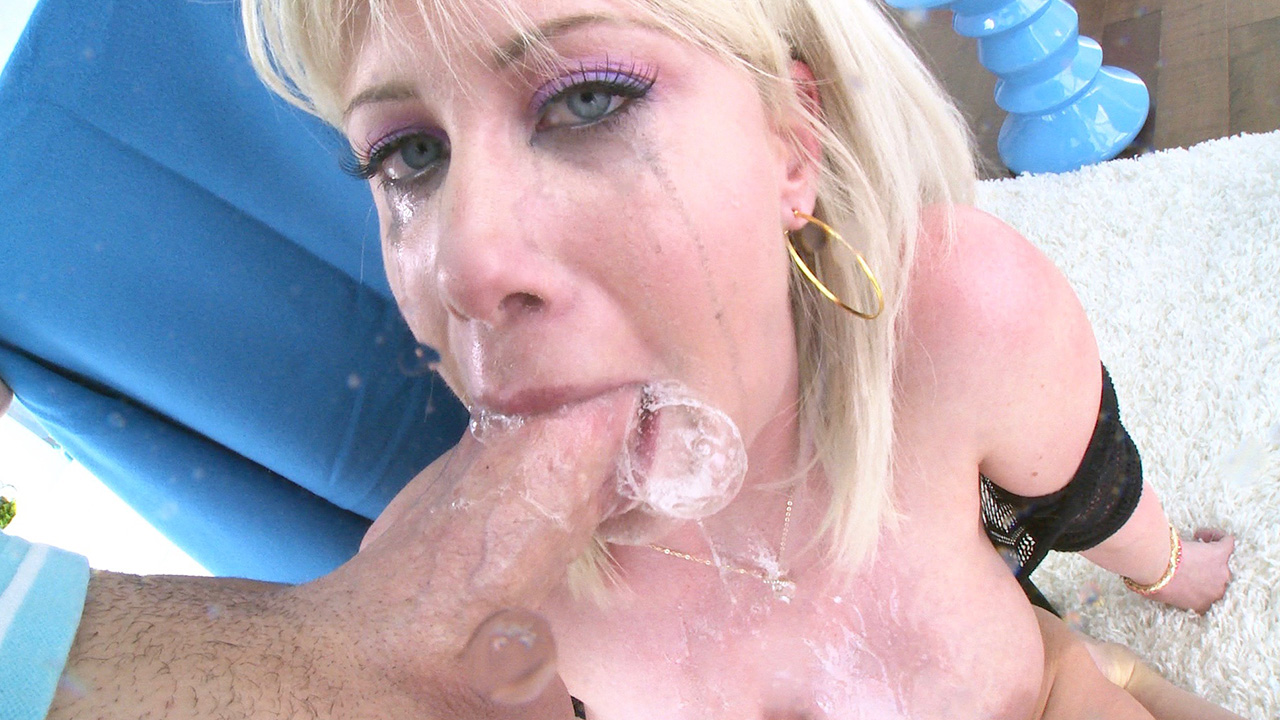 Riley Has A Throat Made For Fucking